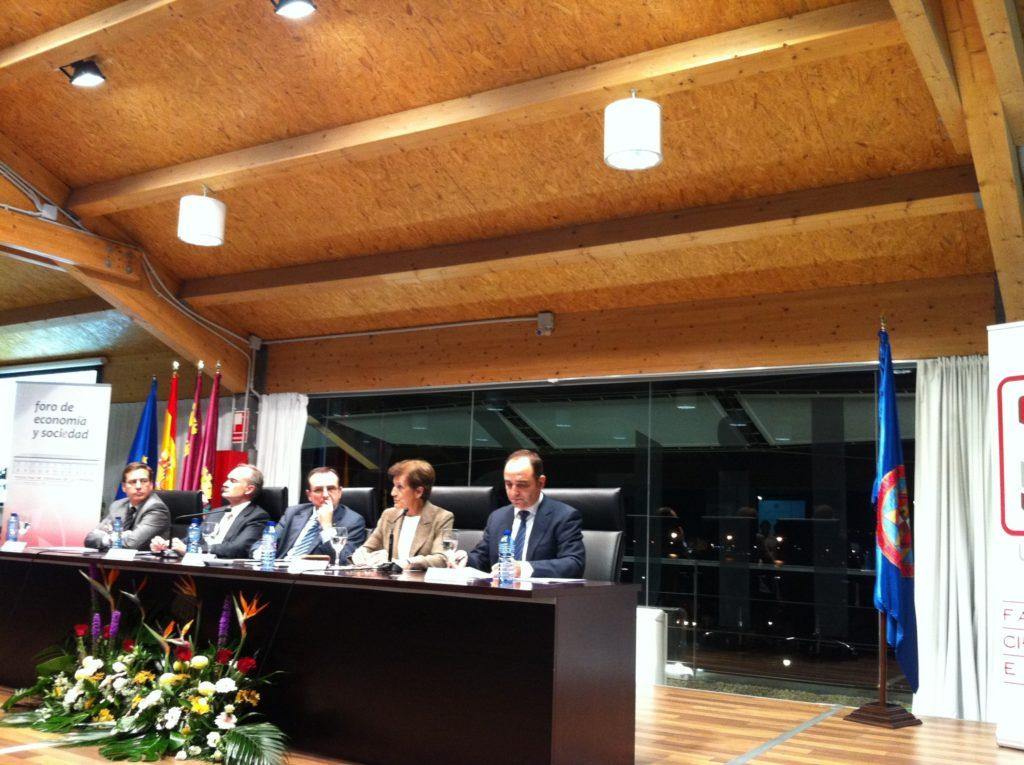 Adela se emociona recordando su paso por Cartagena en tiempos de la transición «estábamos y seguimos en la brega de una España más justa»