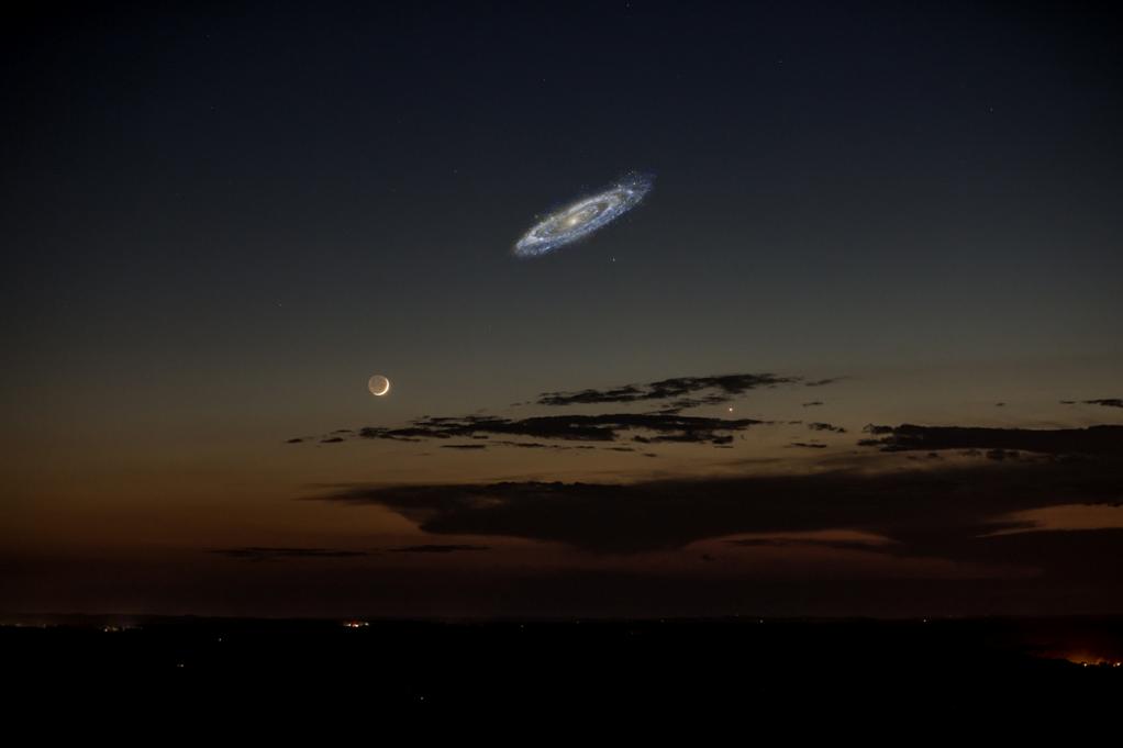 Cómo veríamos Andrómeda si brillara un poco más, vía @SciencePorn pic.twitter.com/ozVbcP4SeX