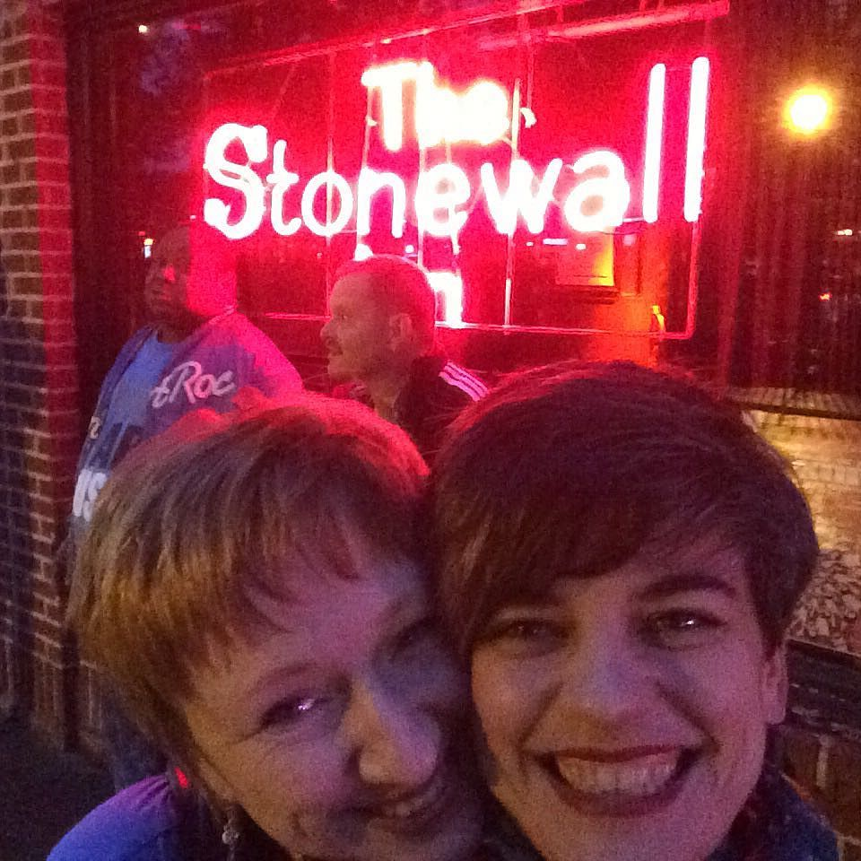 the-stonewall-inn-bego-willow